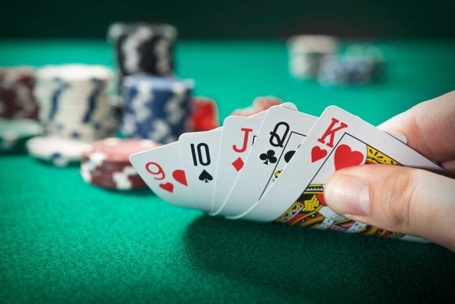 最強の攻略法「カウンティング」はオンラインカジノで使えるのか
