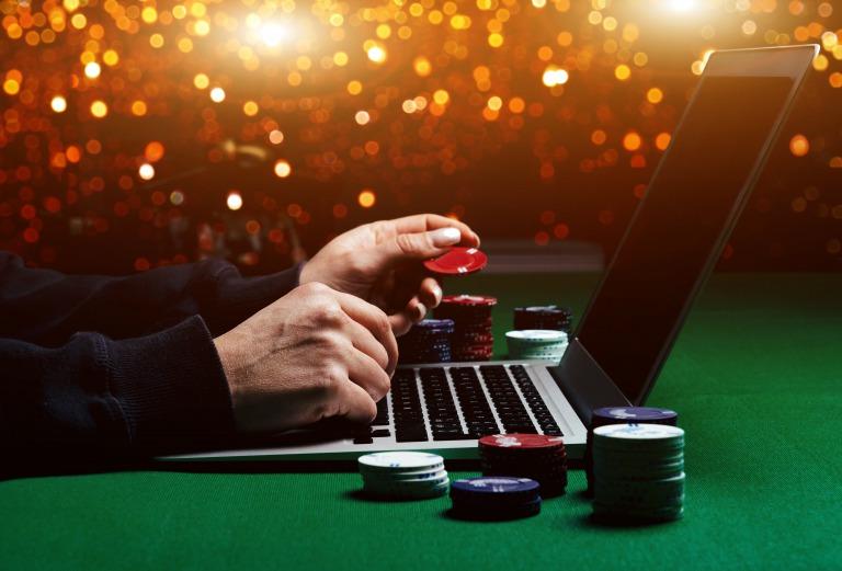 オンラインカジノって勝てないの?勝つために必要なことを簡単解説