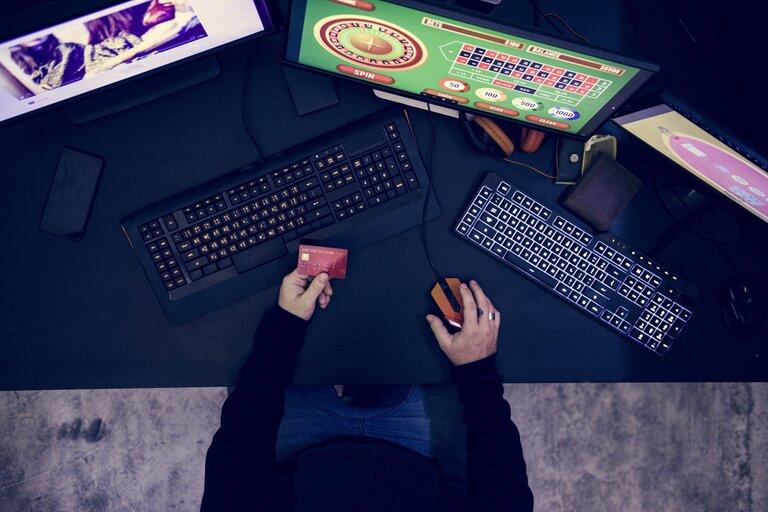 ユーログランドカジノ(EuroGrand Casino)を無料プレイで遊んでみよう