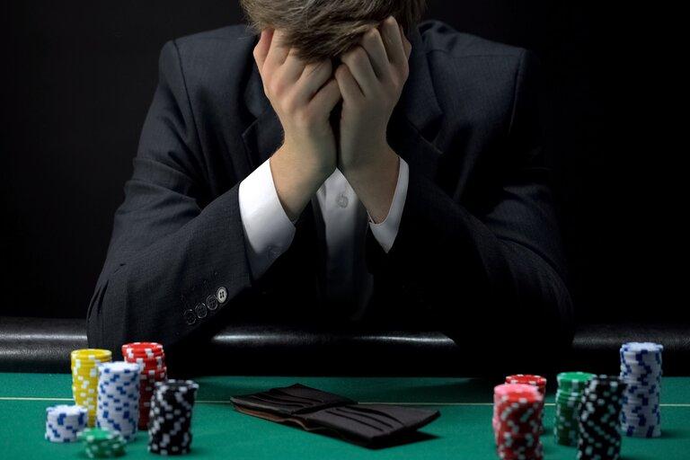 違法なオンラインカジノを選ばず安全に遊ぶには!依存症にも気を付けよう!
