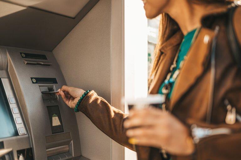 利用可能な入金・出金方法